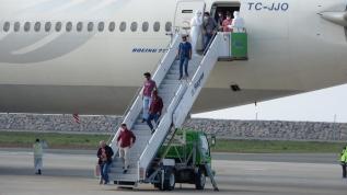 Koronavirüs nedeniyle Kuveyt'ten 301 işçi Türkiye'ye getirildi