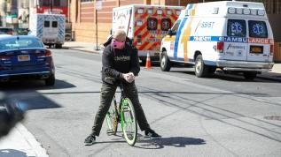New York'ta Kovid-19 ölümleri 5 bine yaklaştı