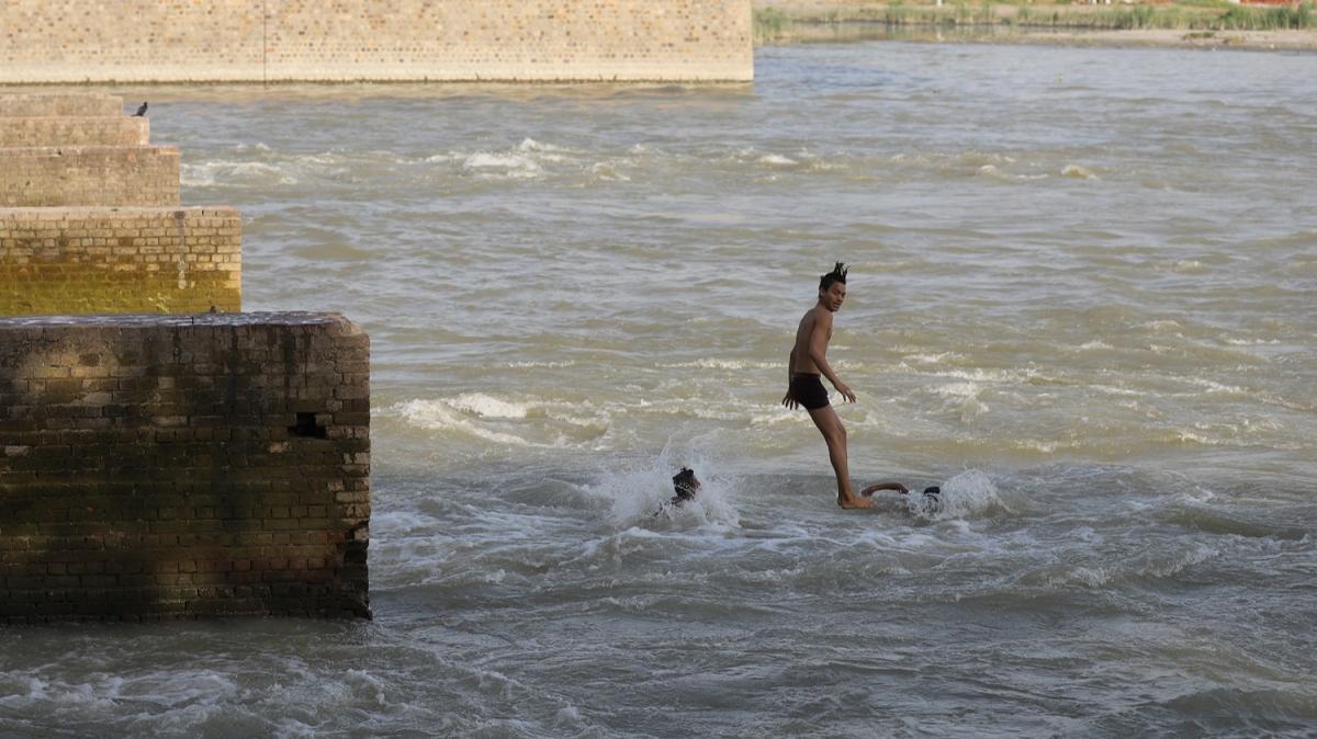 Dünyanın en kirli nehirlerinden biriydi! Fabrikalar kapandı, temizlenmeye başladı
