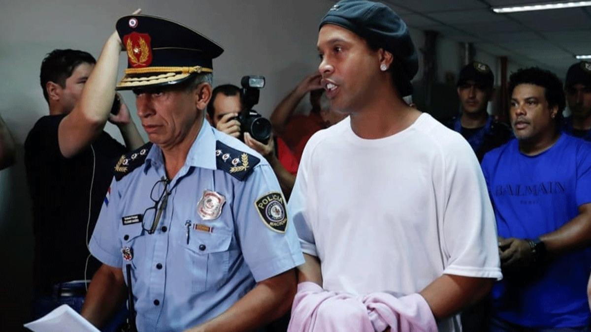 Futbolun zirvesinden hapishaneye: Ronaldinho'nun çöküşü!