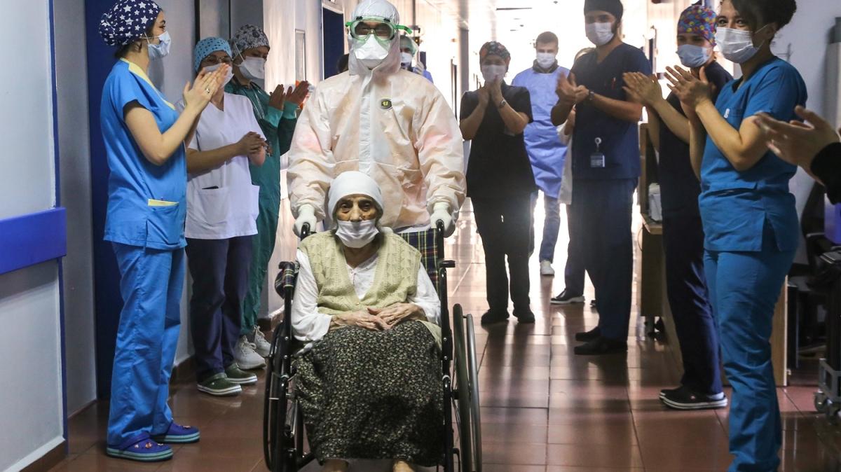Alkışlarla taburcu edildi... Asırlık nine koronavirüsü yendi