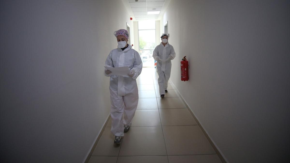 Koronavirüs 'dedektifleri'nin yoğun mesaisi! Gece gündüz görevlerini sürdürüyorlar