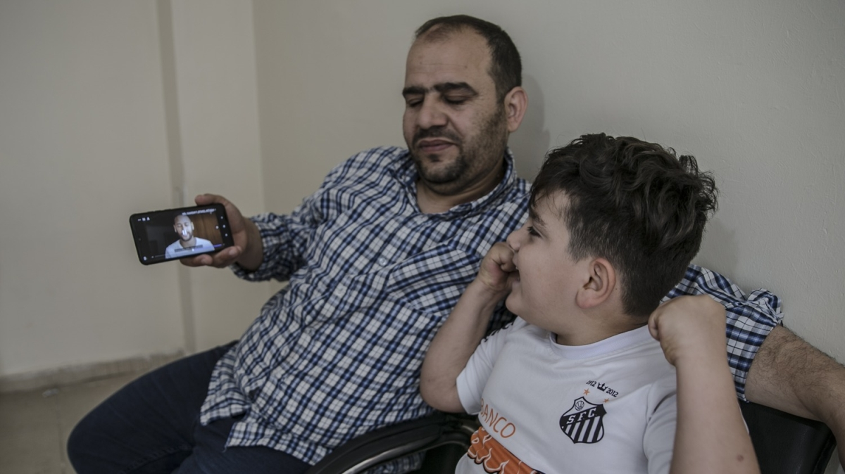 Neymar'dan Hatay'daki engelli çocuğa görüntülü mesaj