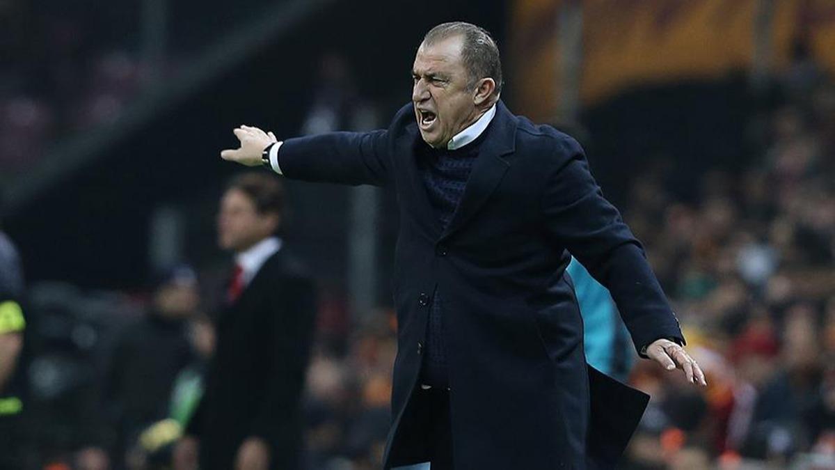 Galatasaray'da 4 futbolcu yolcu!