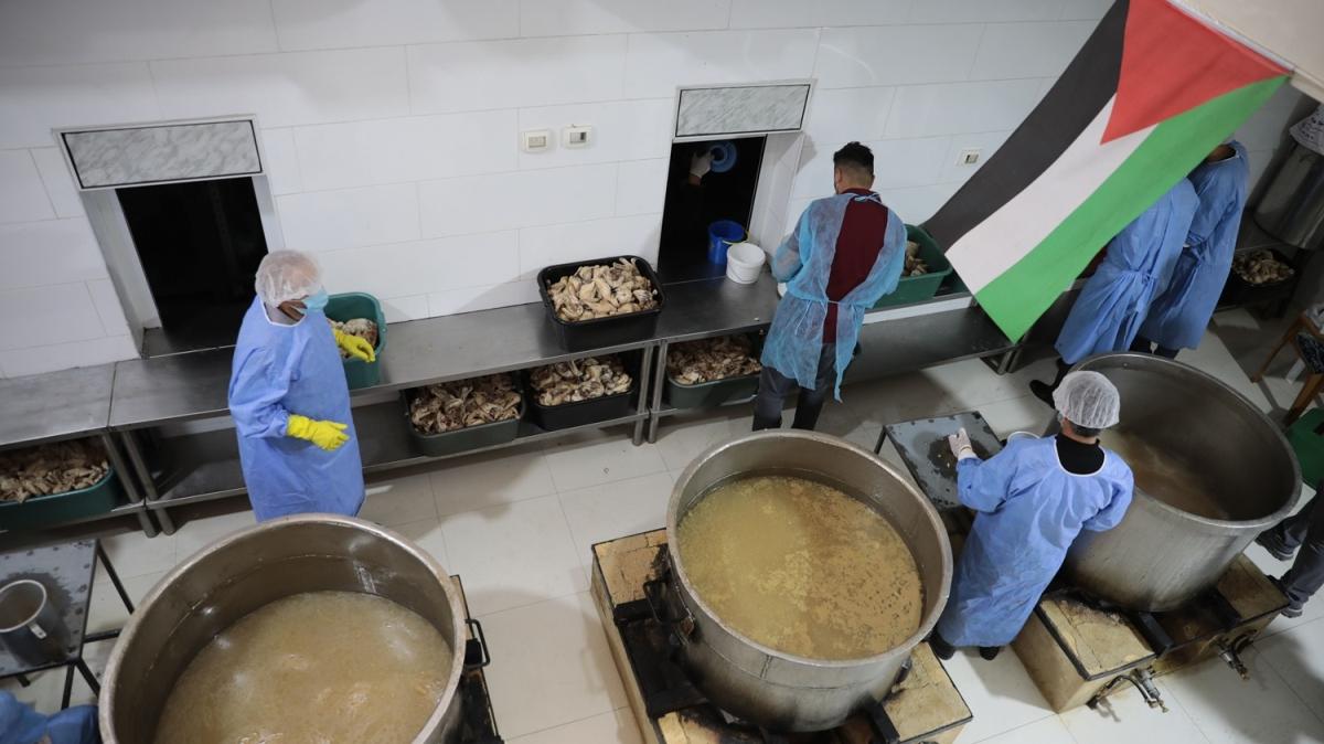 El Halil'deki İbrahim Tekkesi bu ramazan da yoksulları yalnız bırakmadı