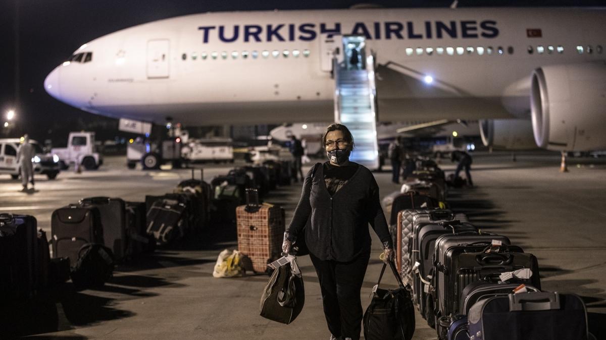 Maldivlerden 209 Türk vatandaşı THY uçağıyla Ankara'ya getirildi