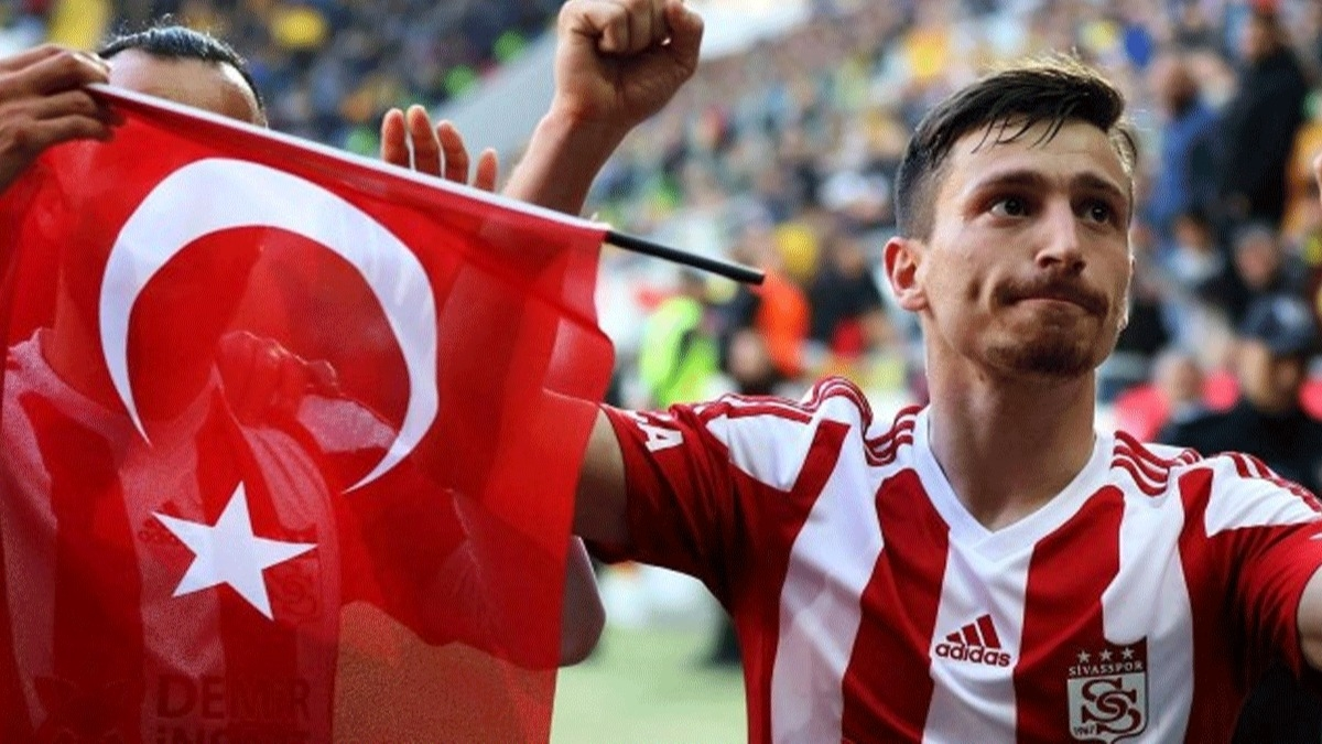 'Mert Hakan'ın Galatasaray'la anlaşma ihtimali yok!' Sivasspor'dan flaş Mert Hakan açıklaması