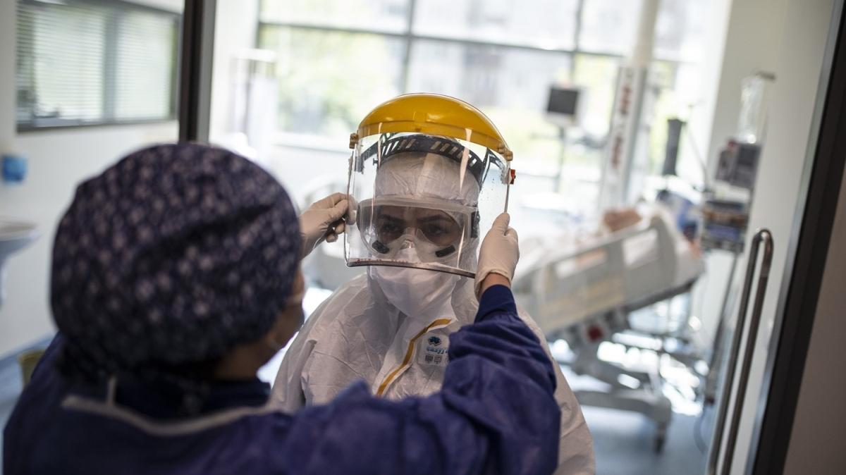 Prof. Dr. Cemil Taşcıoğlu Şehir Hastanesi'ndeki hummalı koronavirüs mücadelesi böyle görüntülendi