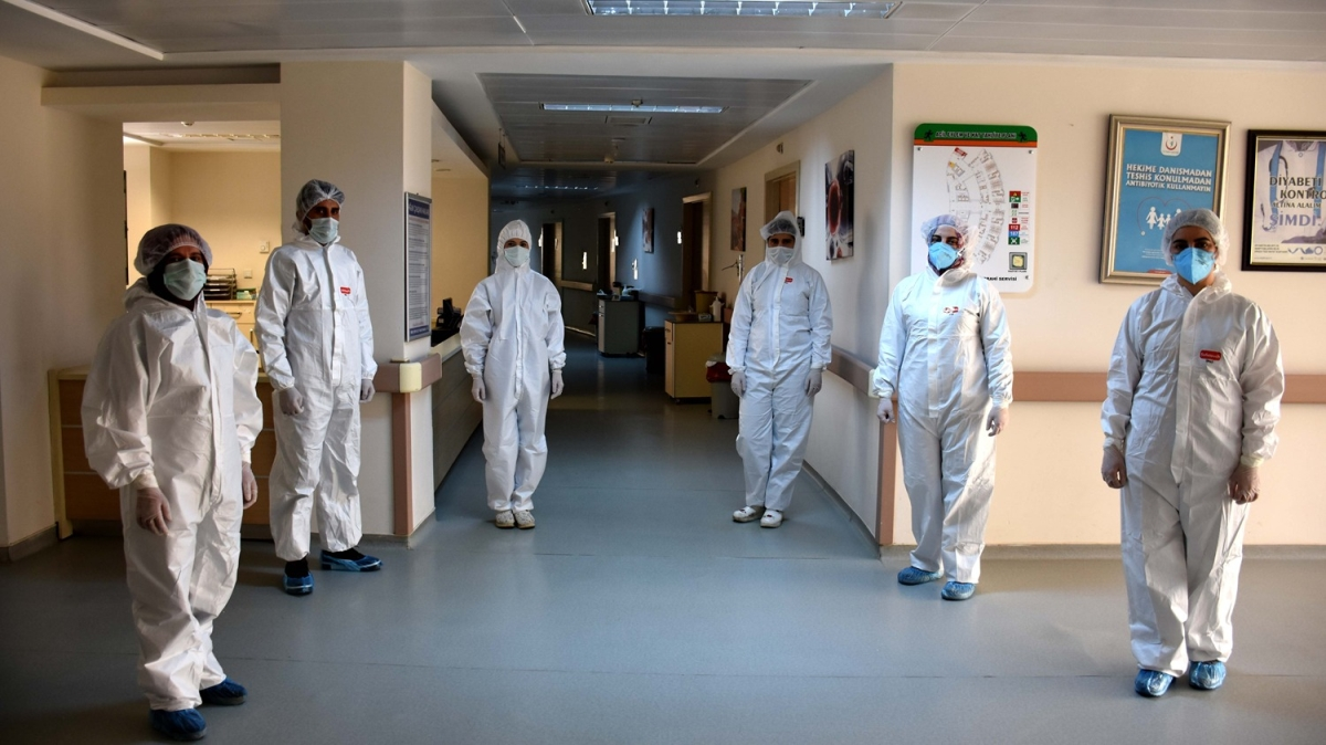 Koronavirüsle savaşın fedakar kahramanları