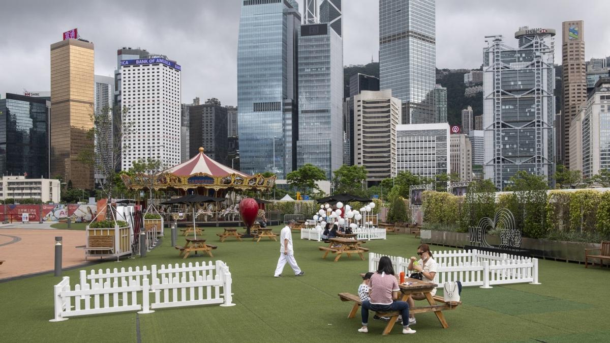 Hong Kong'da koronavirüs önlemleri hafifletildi