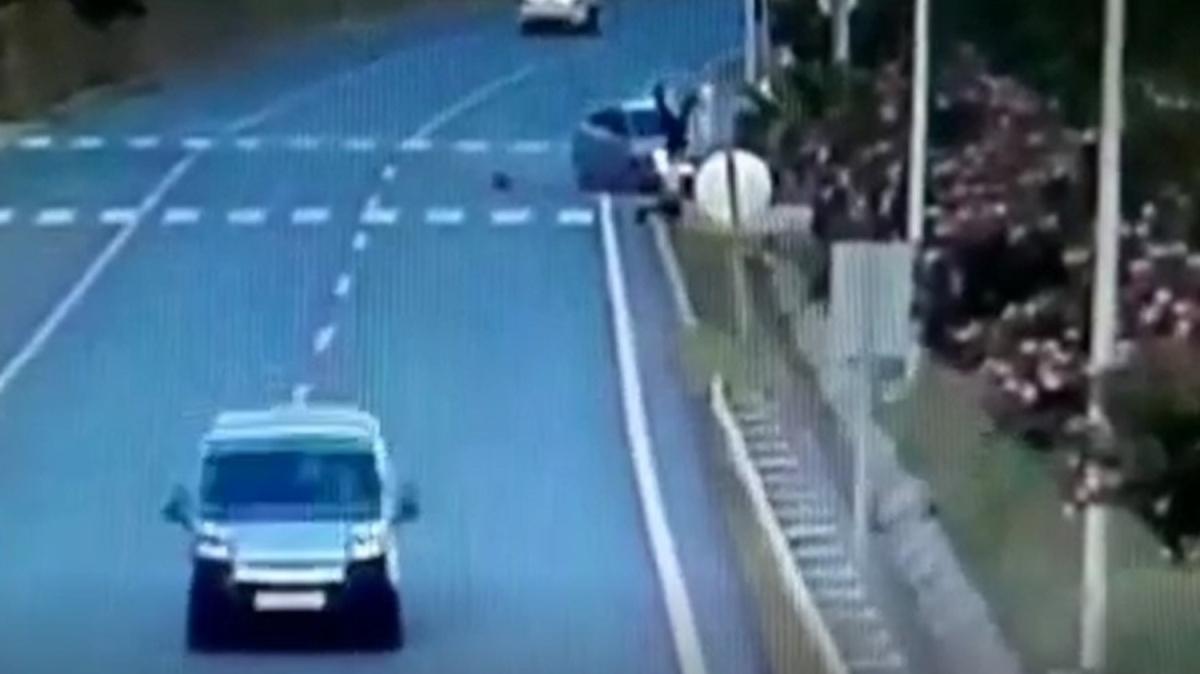 Antalya'da korkunç kaza! Havada taklalar atıp metrelerce ileri uçtu