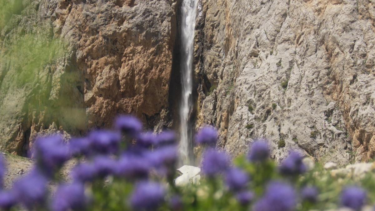 Kırıkmerdiven Şelaleleri güzelliğiyle hayran bırakıyor