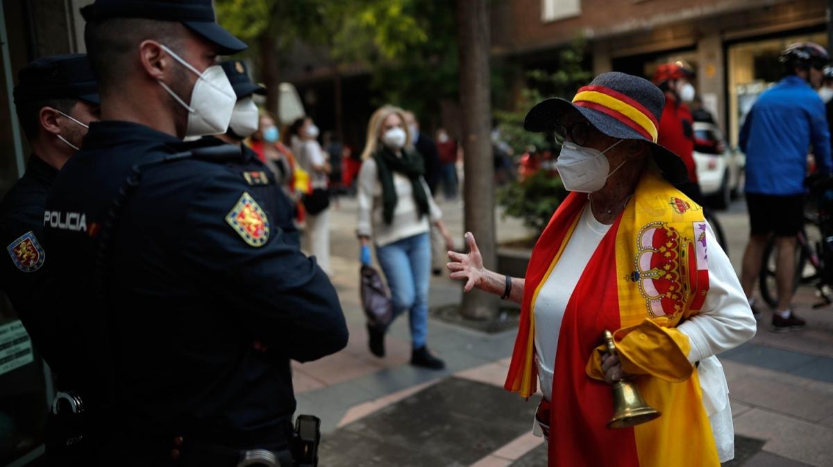 Ülke geneline yayıldı! İspanya'da hükümetin Kovid-19 politikasına karşı protestolar sürüyor