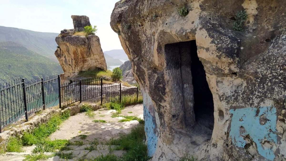 Asırlık mağaralar restore edilerek turizme kazandırılacak