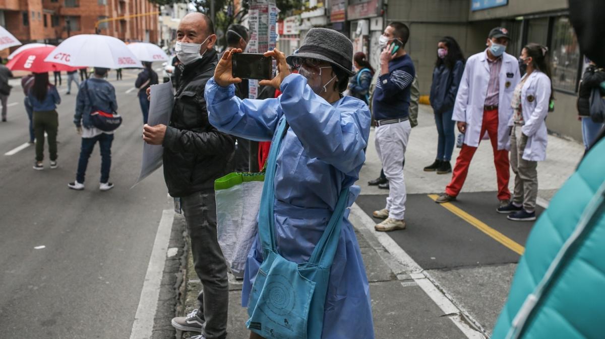 Kolombiya'da sağlık çalışanlarından protesto