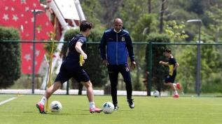 Mehmet Aurelio Fenerbahçe'de mesaiye başladı