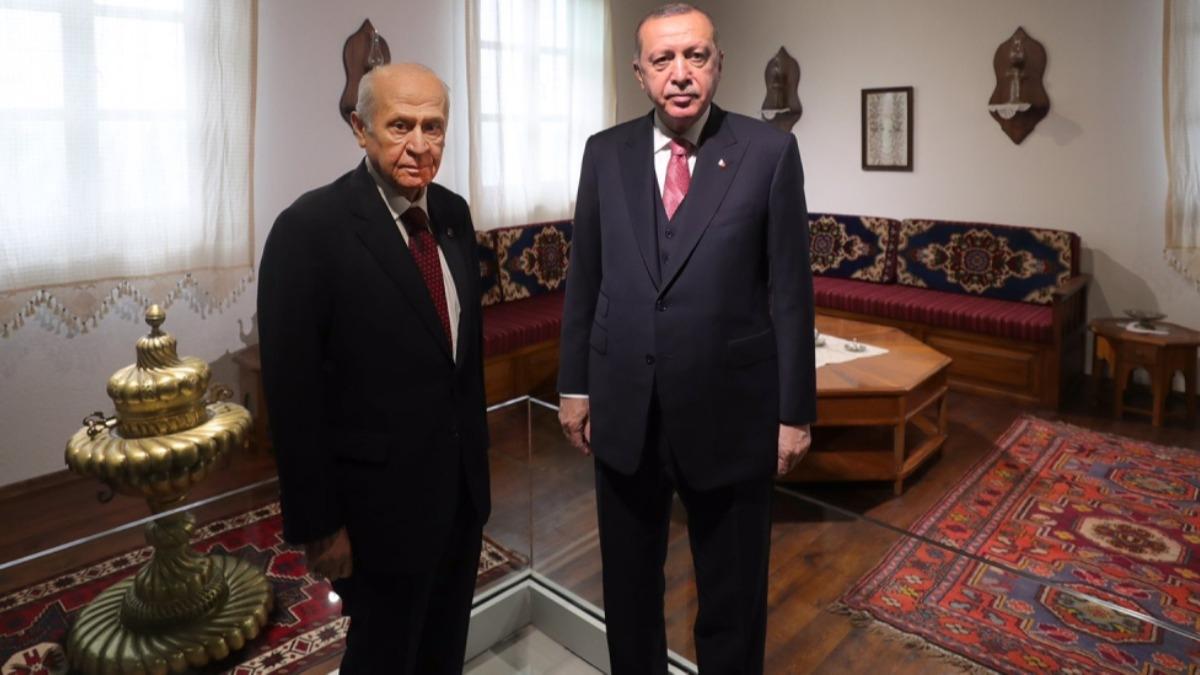 Darbenin bir izi daha siliniyor! Başkan Erdoğan ve MHP Lideri Bahçeli Demokrasi ve Özgürlükler Adası'nda!