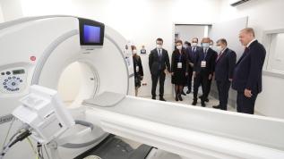 Başkan Erdoğan Prof. Dr. Feriha Öz Acil Durum Hastanesi'nde incelemelerde bulundu
