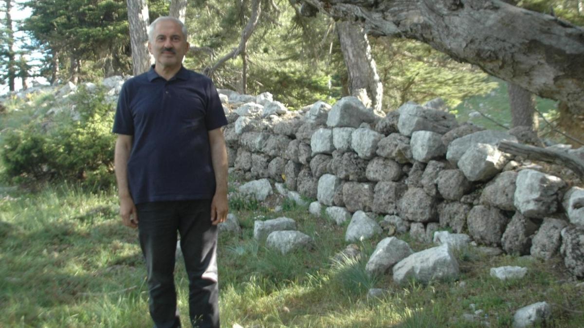 Mantar toplamaya çıktı, 2 bin 800 yıllık tarihi kalıntı buldu