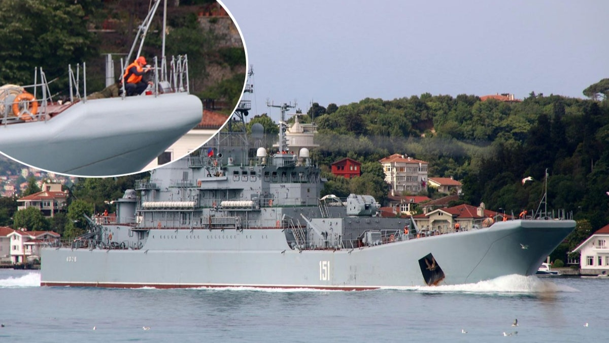 'Azov' İstanbul Boğazı'ndan geçti! Geminin ön bölümünde dikkat çeken detay