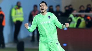 Trabzonspor'un eski kaptanı teklifi açıkladı! İngiliz devi Uğurcan Çakır için astronomik teklifi sundu