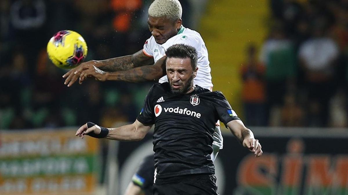 Gökhan Gönül'den Fenerbahçe'ye 1+1 yıllık imza