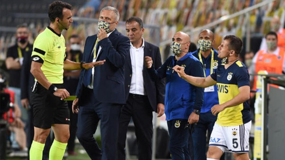 Emre Belözoğlu çılgına döndü! Fenerbahçe'de maça damga vuran an