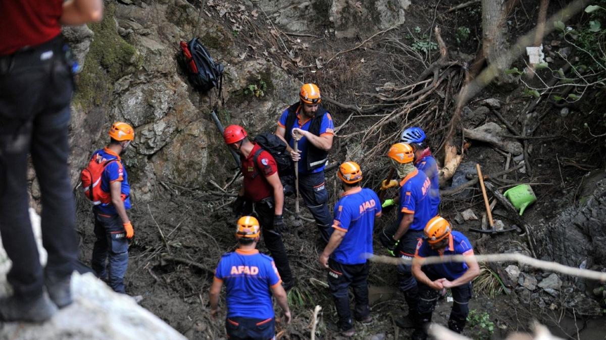 Sel felaketinde kaybolan Derya'nın bulunması için çalışmalar sürüyor