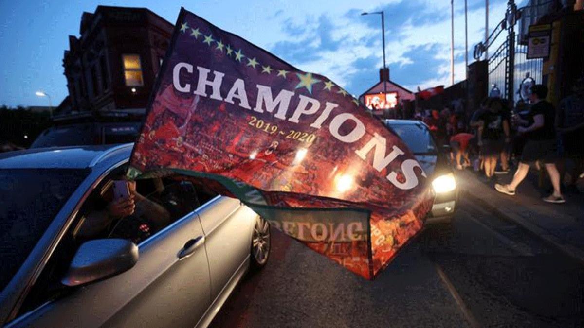 Liverpool sokakları yıkıldı! 30 yıl sonra gelen şampiyonluğu böyle kutladılar