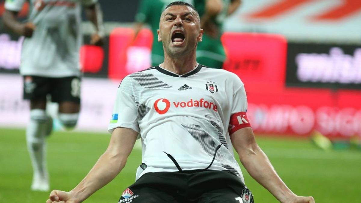 Yeni bir rekor kırdı! Beşiktaş taraftarı Burak Yılmaz'ı öve öve bitiremedi