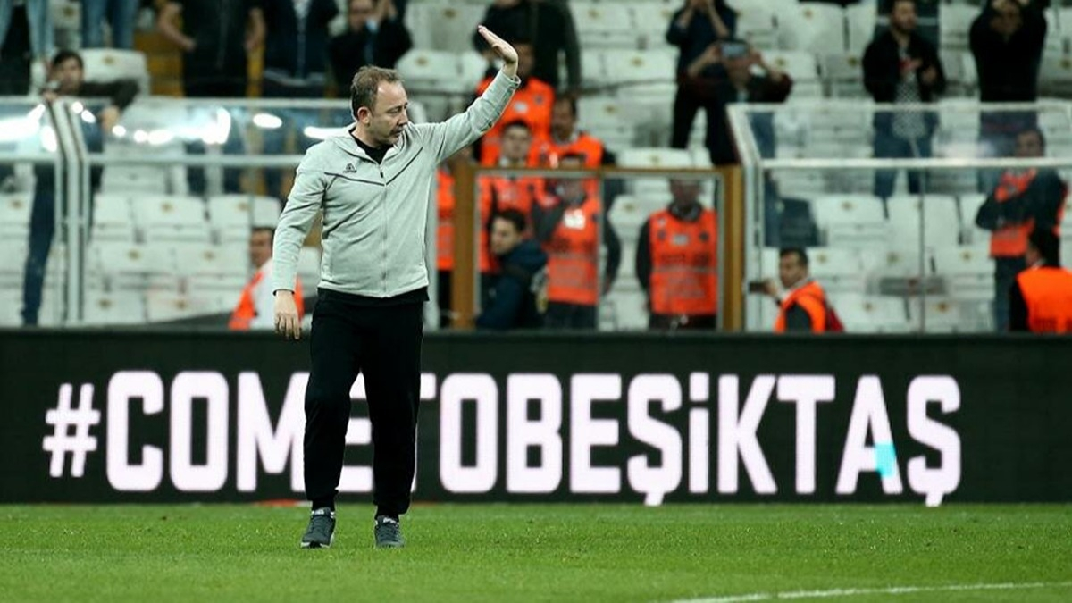 Sergen Yalçın Beşiktaş'ta 3 ismin üstünü çizdi!