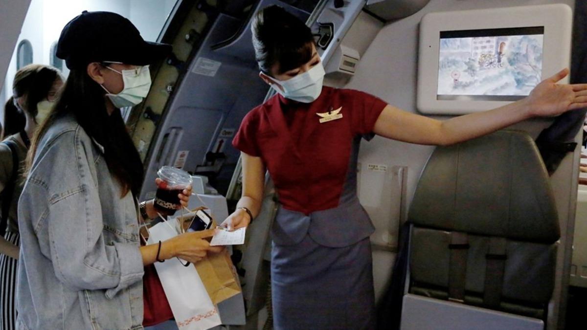 Sosyal medyanın yeni trendi: Sahte uçak yolculuğu...