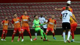 Kayserispor - Beşiktaş maçından kareler
