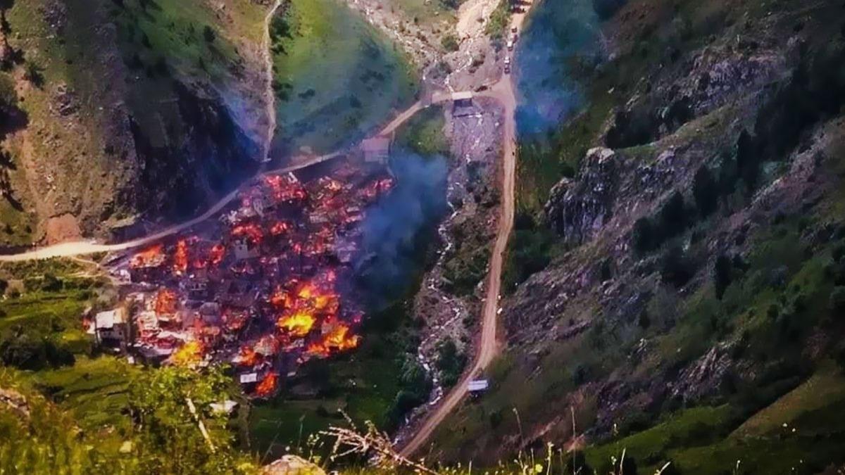 Artvin Yusufeli'ndeki yangında 70 ev küle döndü!
