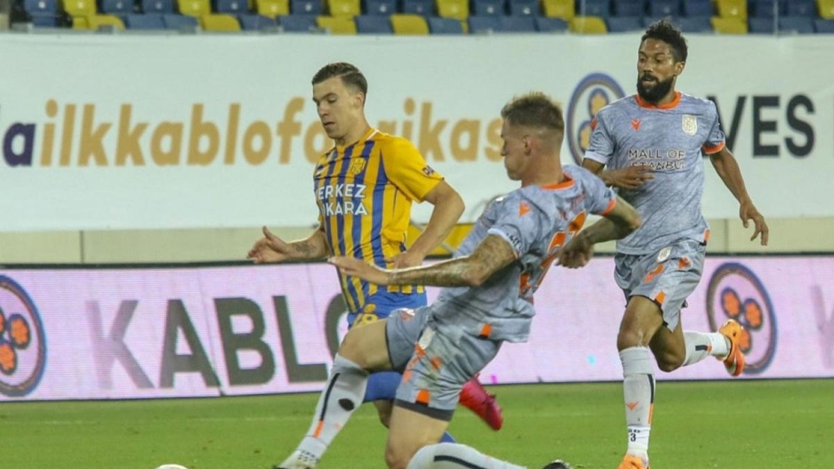 Fenerbahçe ve Galatasaray Michalak için kapışıyor