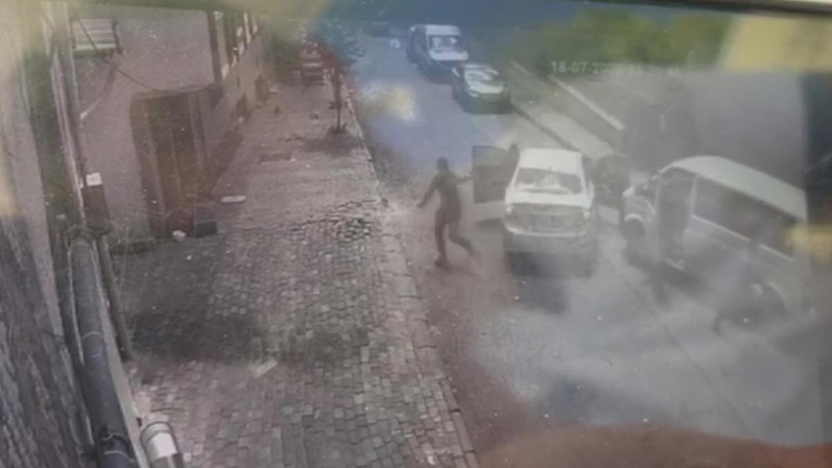 Bağcılar'da bir polis memurunun şehit olduğu saldırı anının görüntüleri ortaya çıktı