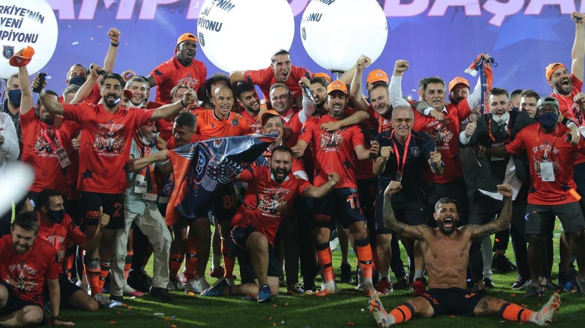 Şampiyon Medipol Başakşehir Avrupa'nın gündeminde