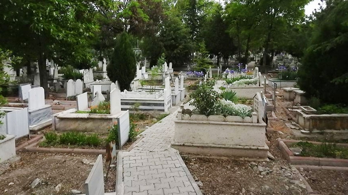 Kurban Bayramında mezarlığa gitmek yasak mı? İşte bayramda mezarlık ziyareti yasak olan iller