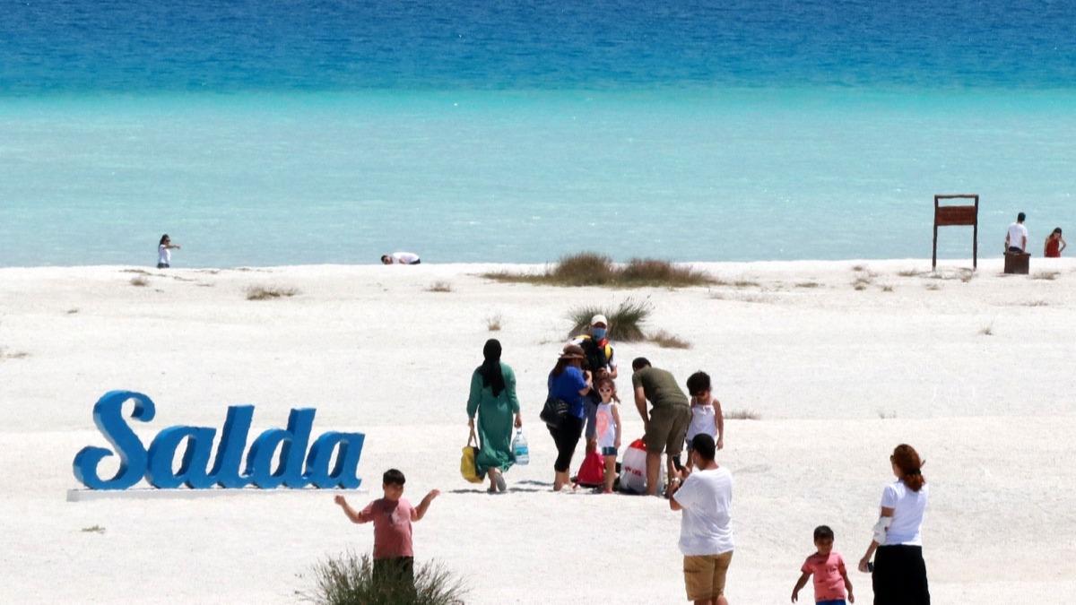 Türkiye'nin Maldivleri Salda Gölü güzelliği ile büyülüyor!