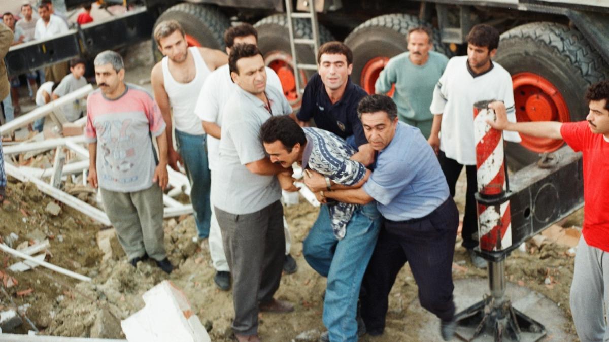 45 saniyelik 'felaket'in üzerinden 21 yıl geçti
