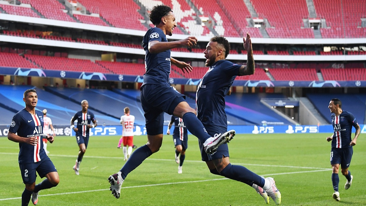 Şampiyonlar Ligi tarihinde bir ilki başardı! PSG Neymar ile finale uçtu