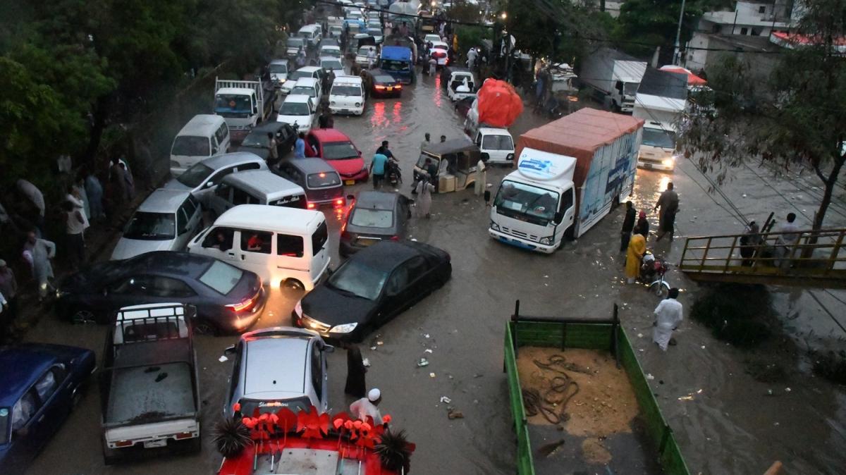 Sel felaketi şehri felç etti