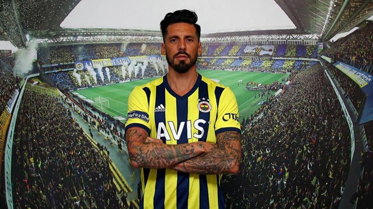 Jose Sosa transferi açıklanınca çılgına döndüler 'Bize bunu nasıl yapar!'