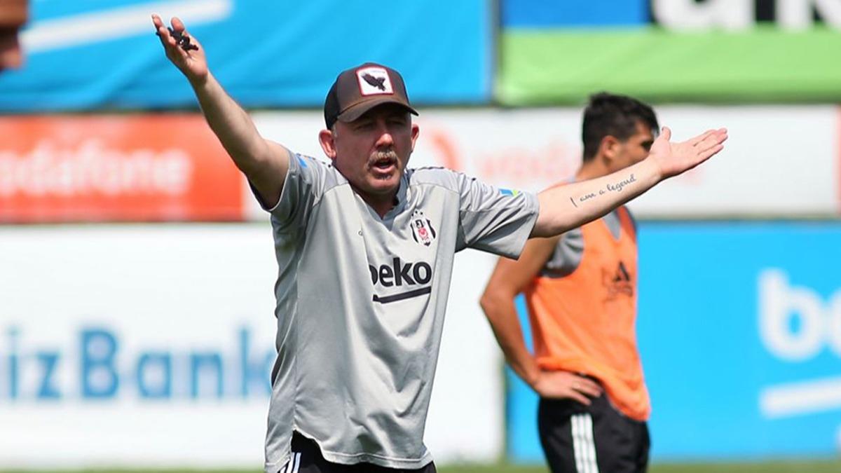 Beşiktaş'ın PAOK maçı 11'i şekillendi! Sergen Yalçın'dan sağ bek sürprizi
