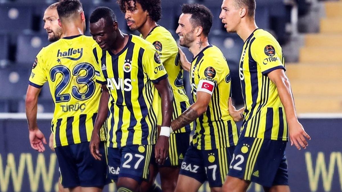 Fenerbahçe maçında yeni transfer show yaptı! Maçta 4 yıl sonra bir ilk