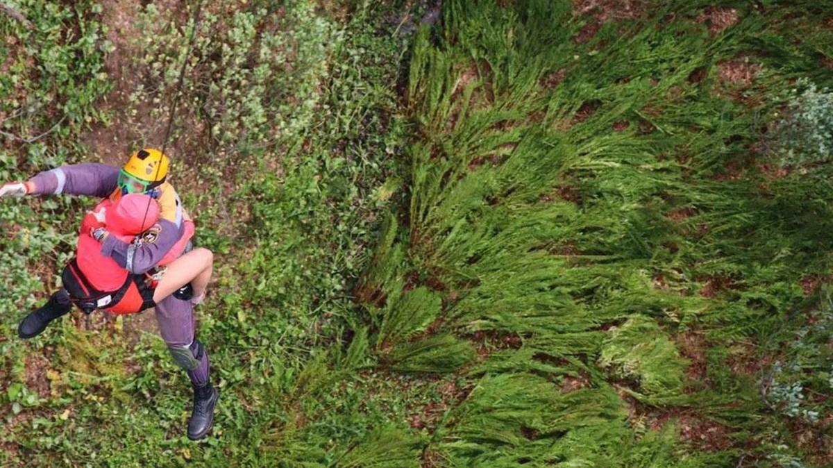 8'i çocuk 11 turist dağda mahsur kaldı!