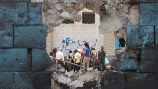Arabistan öncülüğündeki koalisyon güçlerinin Yemen'deki zulmü sürüyor