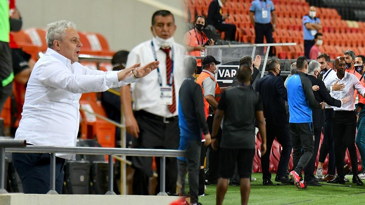 Penaltı sonrası kırmızı kartlar havada uçuştu! Gaziantep'te saha karıştı