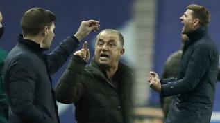 Fatih Terim'den kariyerinde bir ilk! Terim ile Gerrard arasında sert tartışma