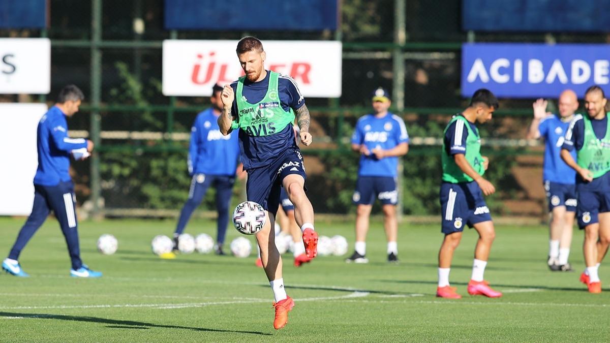 Serdar Aziz Fenerbahçe'den Beşiktaş'a transfer oluyor